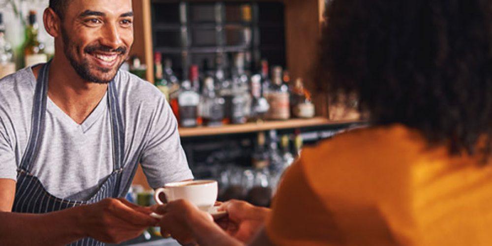 Comment optimiser le parcours client dans un café ?